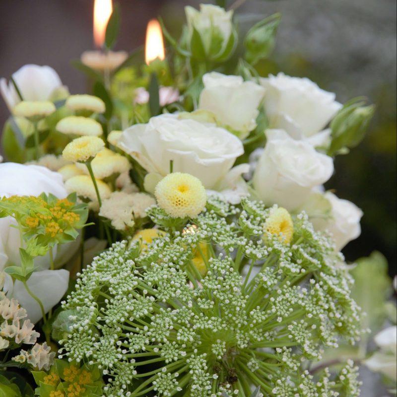 Blommorna-vi-använt-i-dukningen-scaled-e1620734003867-800x800