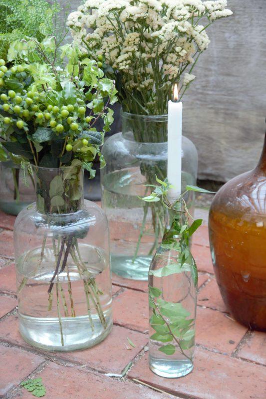 omringa-bordet-med-blomster-533x800