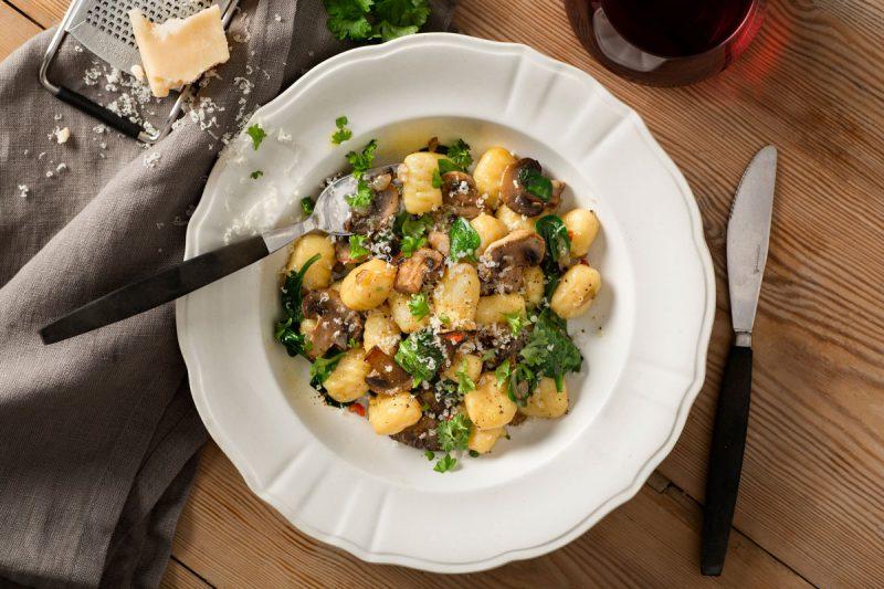 Recept Gnocchi med spenat och svamp