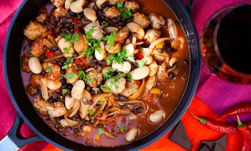 recept korvgryta med chili och choklad