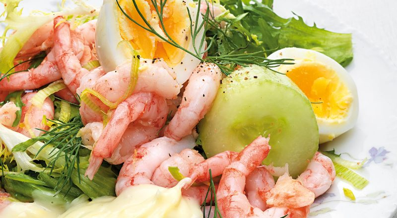 Räksallad med rimmad gurka och citronmajonnäs Tina Nordström